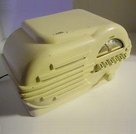 Antique Bakelite Coronado Radio